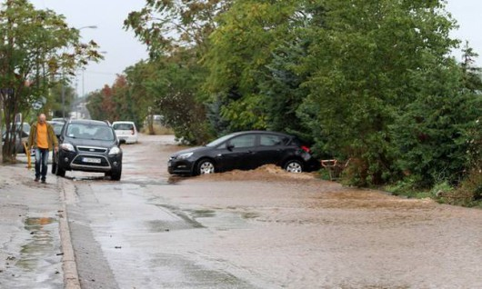 Attyka, Grecja - Ulewne deszcze i duża powódź, jedna osoba nie żyje, ogromne straty -8