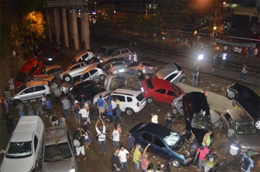 Belo Horizonte, Brazylia - Ulice dwumilionowego miasta zamieniły się w rwące rzeki -2