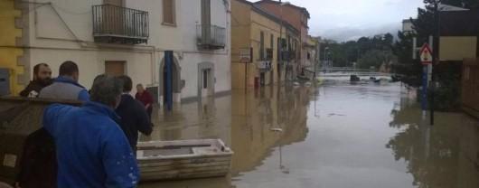Benevento, Włochy - Ulewny deszcze doprowadził do powodzi i płynącego błota -4