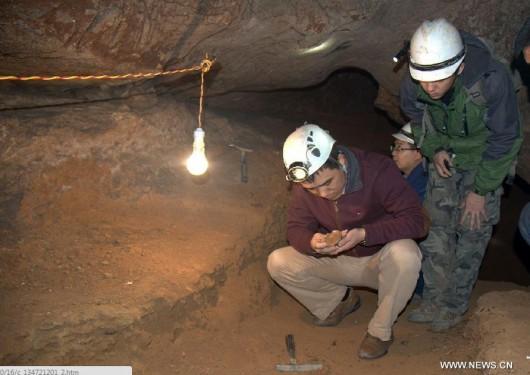 Chiny - W jaskini w Daoxian znaleziono najstarsze ludzkie zęby -3