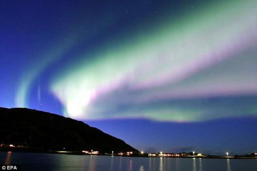 Ekstremalne_burze_słoneczne_aurora