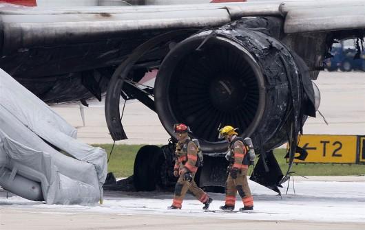 Floryda, USA - Na lotnisku zapalił się silnik samolotu pasażerskiego -3