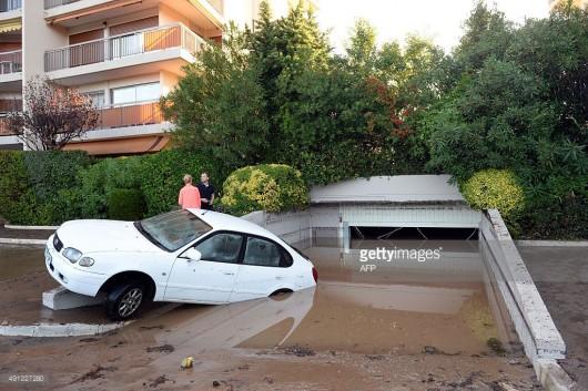 Francja - Ulewne deszcze zabiły co najmniej 13 osób -1