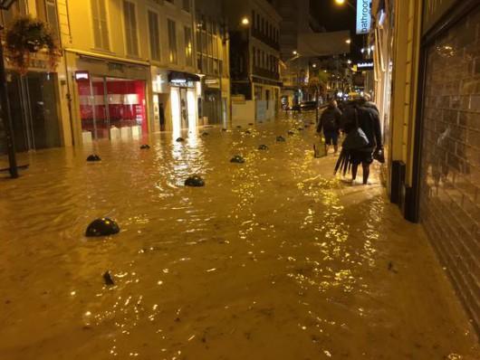 Francja - Ulewne deszcze zabiły co najmniej 13 osób -6