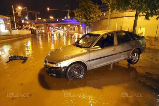 Francja - Ulewne deszcze zabiły co najmniej 13 osób -8