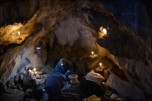 Jakucja_lwy_jaskiniowe_jaskinie