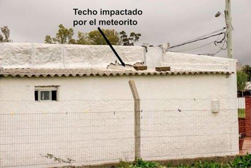 Maldonado, Urugwaj - Niewielki meteoryt wpadł przez dach domu -4