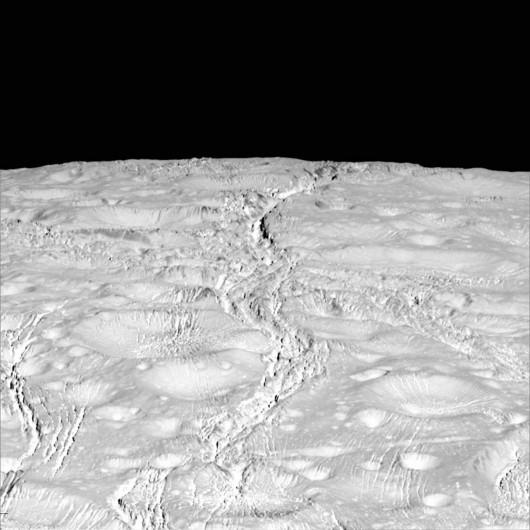 NASA opublikowała najnowsze zdjęcia Enceladusa, lodowego księżyca Saturna -1