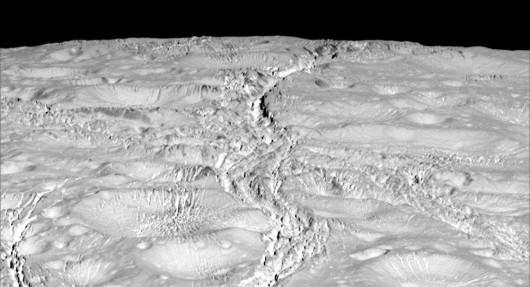 NASA opublikowała najnowsze zdjęcia Enceladusa, lodowego księżyca Saturna -2