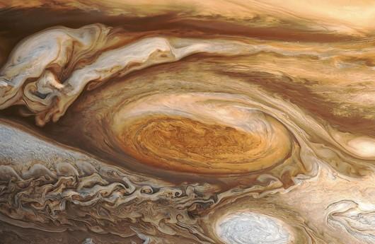 NASA opublikowało nowe zdjęcia Jowisza, czerwona plama zmienia rozmiar -2