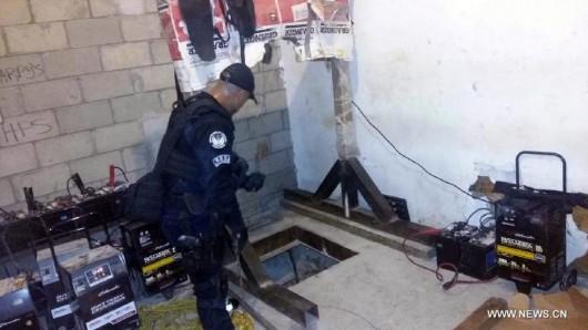 Policja odkryła tunel o długości 800 metrów do przemytu narkotyków między USA, a Meksykiem -2
