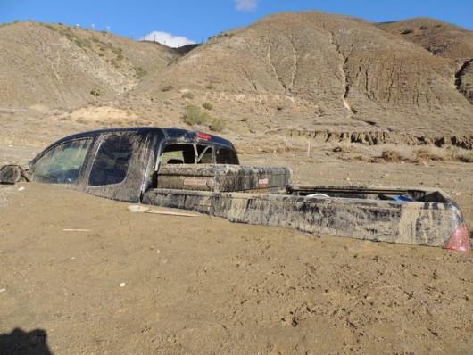 USA - Lawina błotna na pustyni Mojave zalała 5 km drogi ekspresowej nr 58 -7
