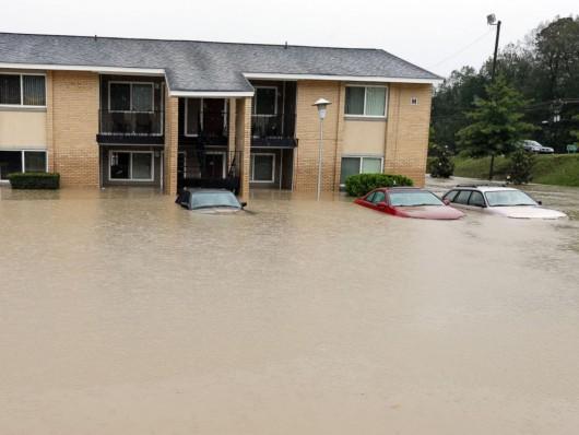 USA - Rekordowo duże opady w Karlinie Południowej, od piątku spadło 600 lmkw deszczu -2