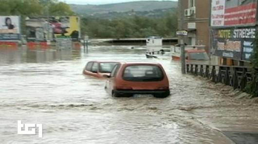 Włochy - Niż Steffan wywołał potężne ulewy, pięć osób nie żyje -2