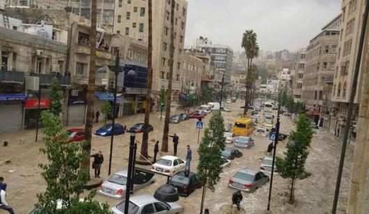 Amman, Jordania - Ulice stolicy kraju zamieniły się w rzeki -5