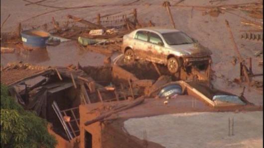 Bento Rodrigues, Brazylia - Puściła zapora górnicza i toksyczne odpady wraz z błotem zalały miasto -4
