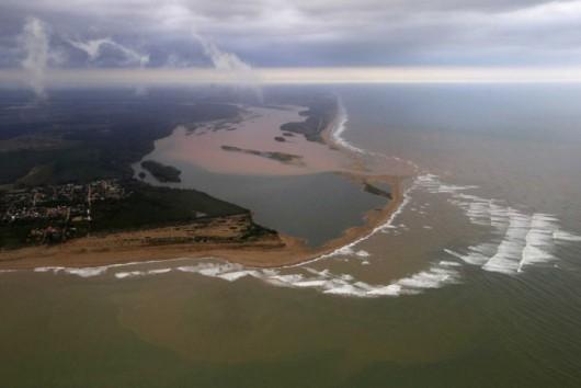 Brazylia - Odpady toksyczne z kopalni dotarły już do Atlantyku