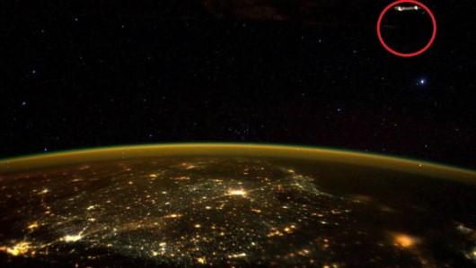 ISS - Objekt - odbicie od szyby -4