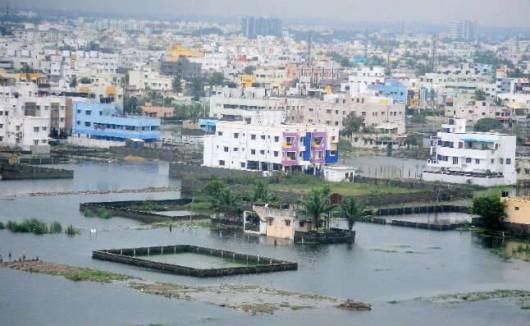 Indie - Przez powódź zginęło już 71 osób -4