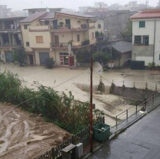 Kalabria, Włochy - Ulewne deszcze -4