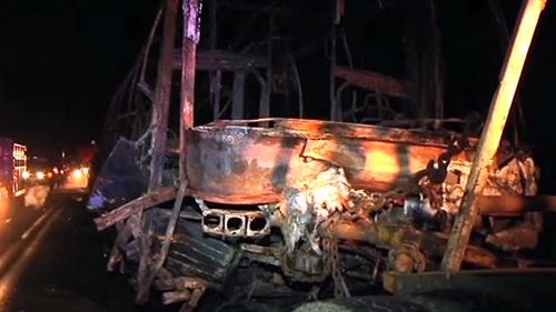 Meksyk - Zapalił się autobus po wypadku z samochodem osobowym, spaliły się 24 osoby, głównie studenci -2