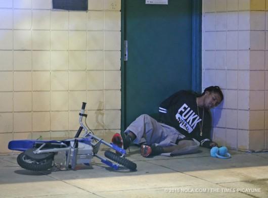 Nowy Orlean, USA - W parku rozrywki napastnicy zaczęli strzelać do ludzi, 16 osób rannych -4