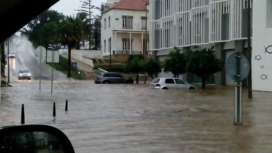 Portugalia - Ulewne deszcze i silny wiatr w prowincji Algarve -5