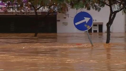 Portugalia - Ulewne deszcze i silny wiatr w prowincji Algarve
