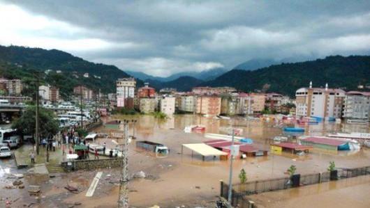 Prowincja Artvin, Turcja - Ulewny deszcze spowodował powódź i osuwiska ziemi -1