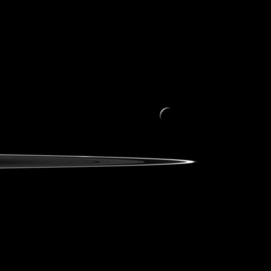 Saturn_ring_Dione
