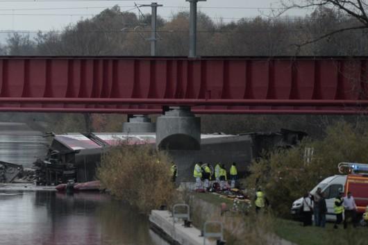 Strasburg, Francja - Podczas jazdy testowej wykoleił się pociąg TGV -1