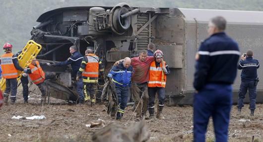 Strasburg, Francja - Podczas jazdy testowej wykoleił się pociąg TGV -4