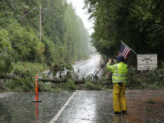 USA - Bardzo silna burza nad stanem Waszyngton -2