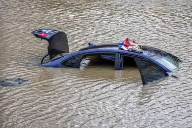 USA - Rekordowe opady w Garland w Teksasie -5