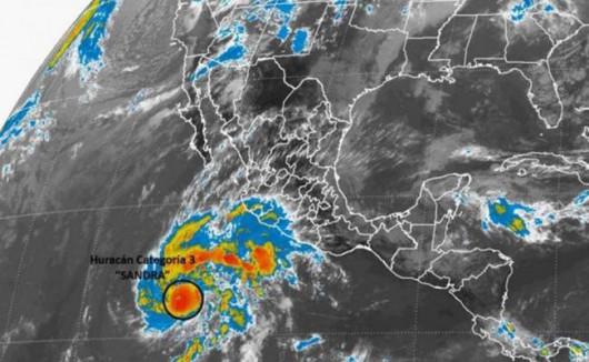 Wyjątkowo silny i groźny huragan Sandra kieruje się na Meksyk -2