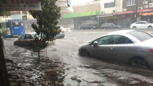 Australia - Superkomórka burzowa i tornado nad Sydney -1