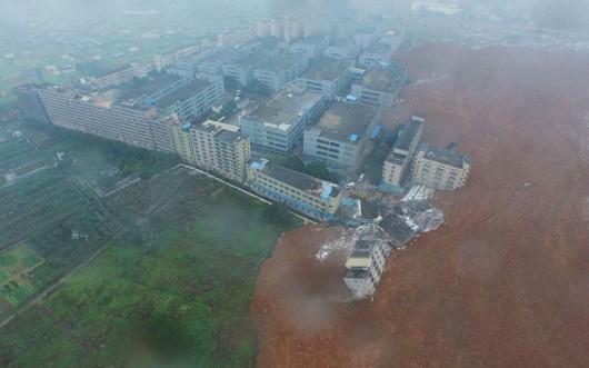 Chiny - Katastrofa w Shenzhen, osuwająca się ziemia zniszczyła 33 budynki -2