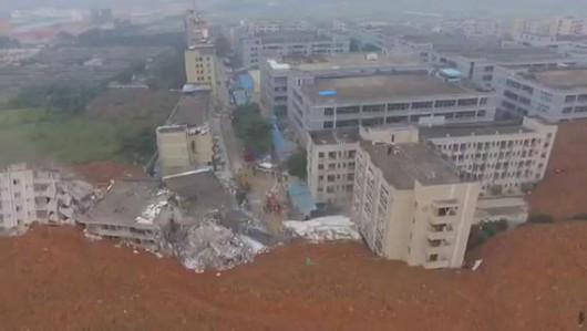 Chiny - Katastrofa w Shenzhen, osuwająca się ziemia zniszczyła 33 budynki -3