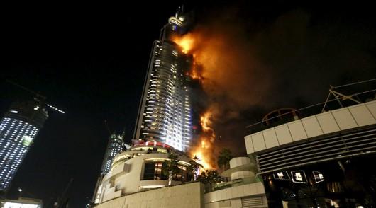 Dubaj, ZEA - Potężny pożar drapacza chmur -2