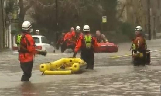 Ewakuacja powoódź.2JPG
