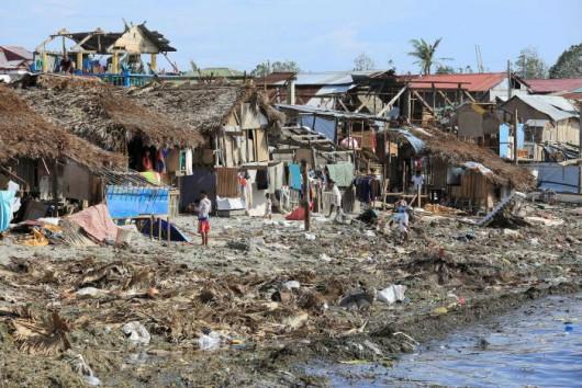 Filipiny - Tajfun Melor zabił 9 osób -3