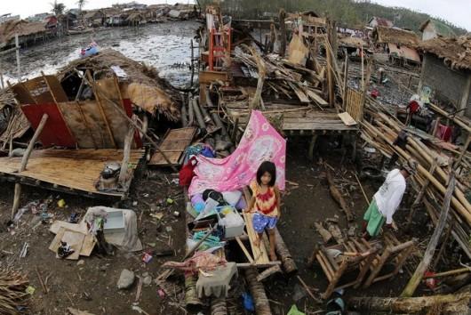 Filipiny - Tajfun Melor zabił 9 osób -6