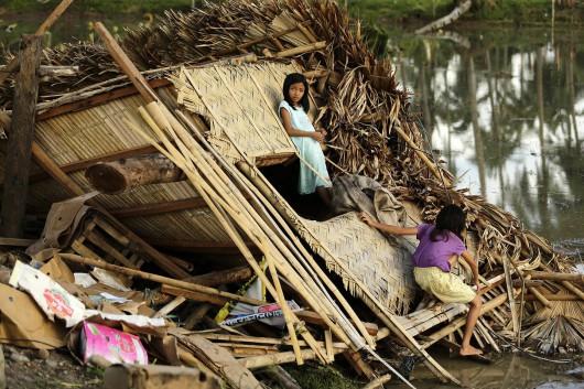 Filipiny - Tajfun Melor zabił 9 osób -8