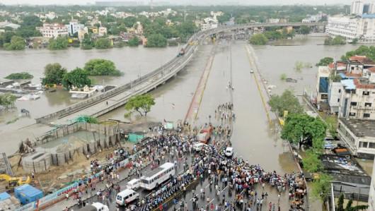 Indie - 325 ofiar śmiertelnych ulewnych deszczy -1