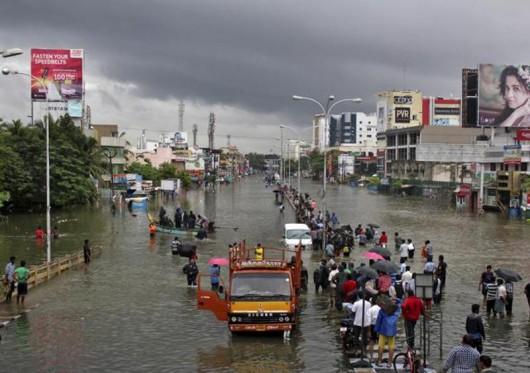 Indie - 325 ofiar śmiertelnych ulewnych deszczy -2