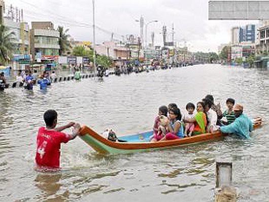 Indie - 325 ofiar śmiertelnych ulewnych deszczy -5
