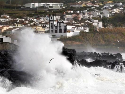 Portugalia - Stan wyjątkowy na Azorach -1
