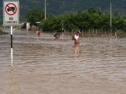 San Martin, Peru - Ulewne deszcze doprowadziły do powodzi -4