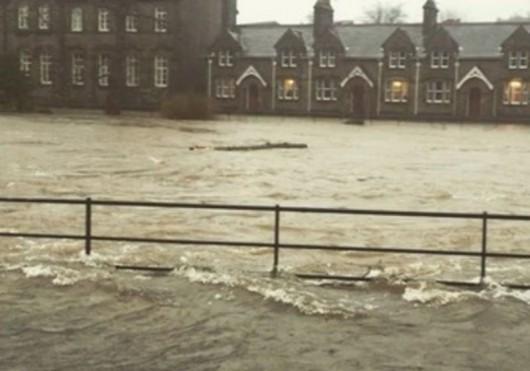 UK - Powódź na niespotykaną dotąd skalę -13