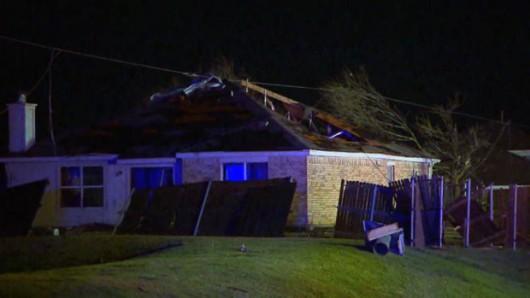 USA - Zimowe tornada i powodzie -2